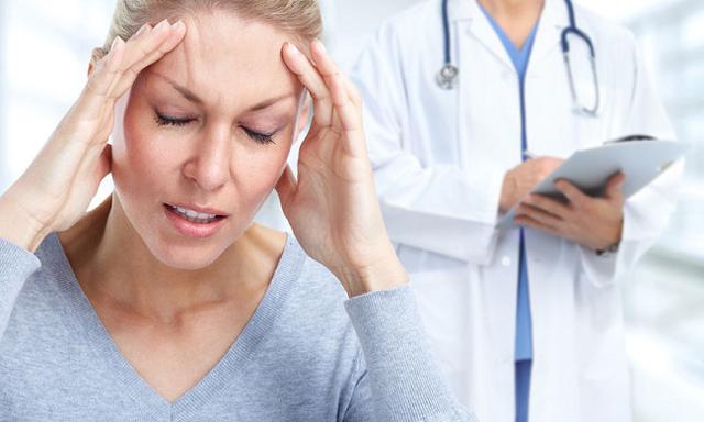 Головная боль и тошнота: причины состояния и избавление от него