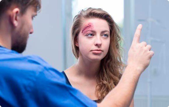 Сотрясение мозга: причины, степени, первая помощь