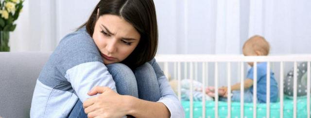 Послеродовая депрессия: почему возникает и как избавиться