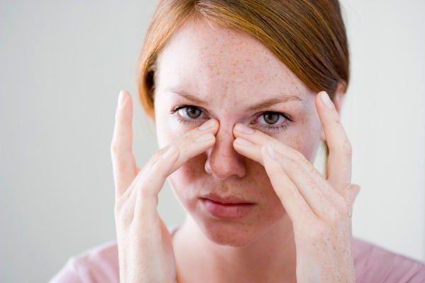 Температура, болит голова: причины состояния