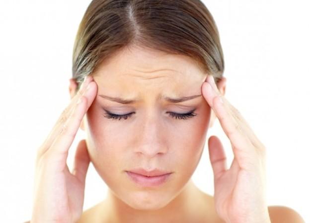 Высокая температура и головная боль: причины недомогания