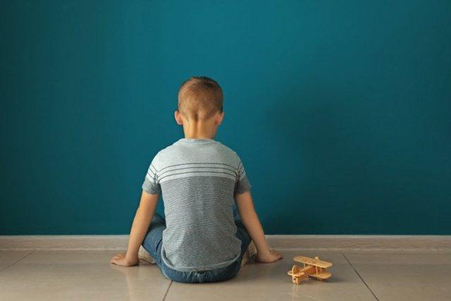 Лечение аутизма у детей: действенные способы и методики