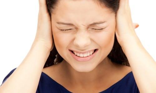 Свист в ушах: причины, диагностика и лечение патологии