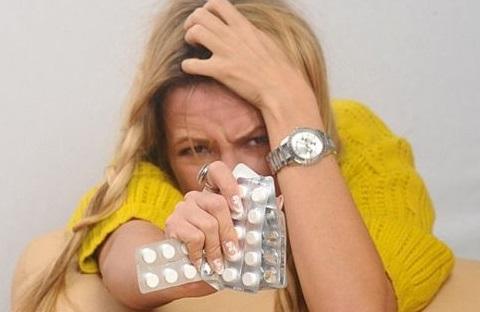 Болит голова в области лба и висков: как избавиться