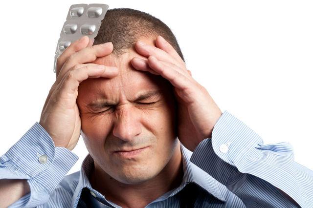 Боль в лобной части головы: причины, лечение, профилактика