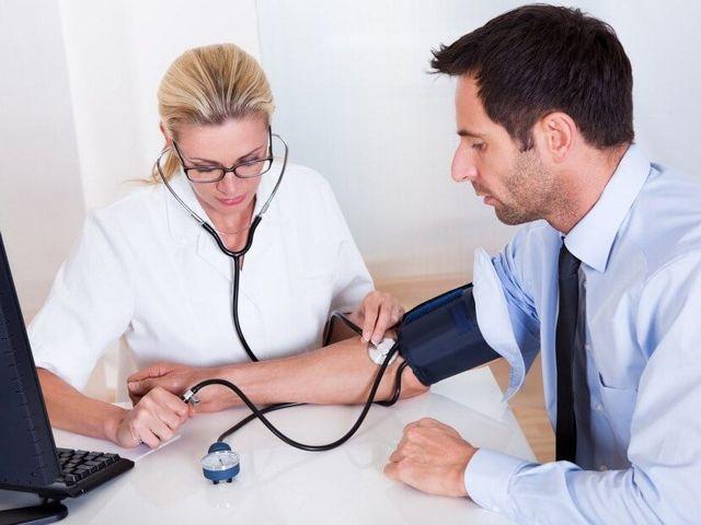 Гемморагический инсульт: кровоизлияние в мозг из-за разрыва сосуда