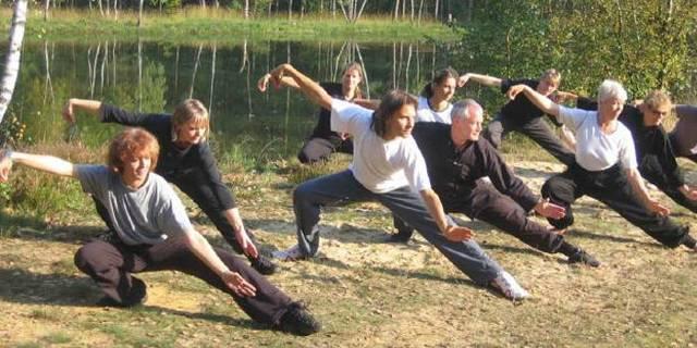 Как улучшить память подростку: упражнения и препараты