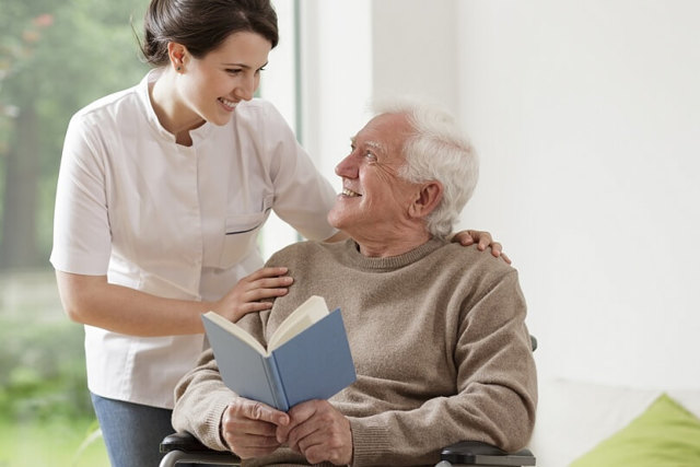 Болезнь Альцгеймера: причины, признаки и формы заболевания