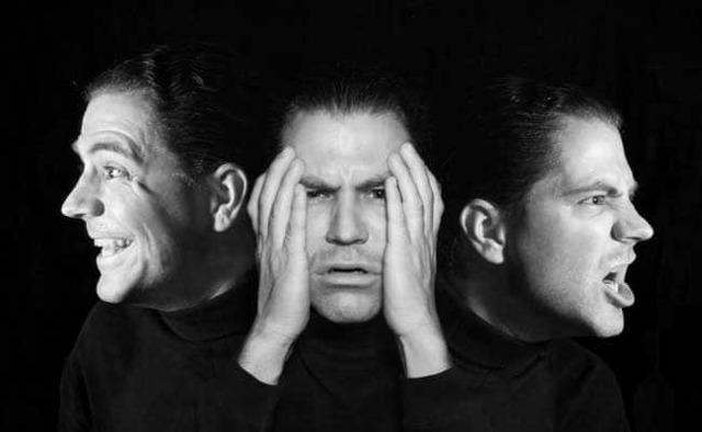 Больные шизофренией: какие симптомы их выдают